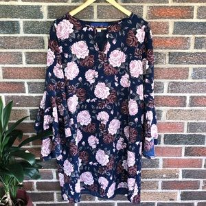 {Francesca's} Floral Bell Sleeve Dress! Size M